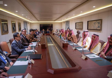 ولي العهد يلتقي رئيس وزراء اليابان ويعقدان جلسة مباحثات رسمية
