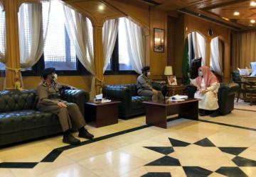 بحث التعاون المشترك بين الشؤون الإسلامية والدفاع المدني في مجال التوعية والتوجيه الديني