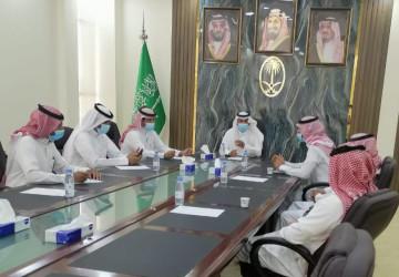 """لجنة الإستثمار بالمجلس البلدي """"تعقد إجتماعاً مع المختصين بالاستثمارات بالبلدية"""""""