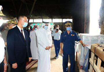 سفير خادم الحرمين لدى تونس يسلم مساعدات طبية قدمتها المملكة