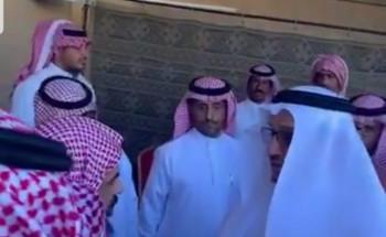 """وزير التعليم يقدم واجب العزاء لذوي الطالب """"معتز الحارثي"""" رحمه الله"""