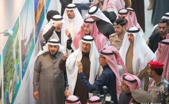 الأمير عبدالعزيز بن سلمان والدكتور خالد الفاضل يطلقان شارة البدء باستئناف الإنتاج في عمليات الخفجي المشتركة