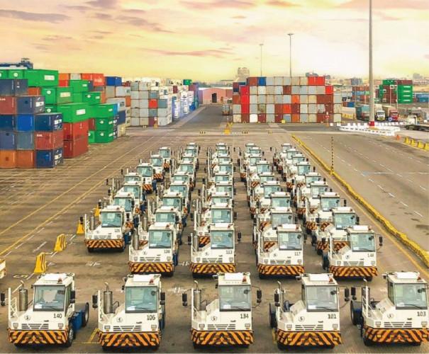 محطة بوابة البحر الأحمر تستقبل أول دفعة من المعدات الجديدة في ميناء جدة الإسلامي