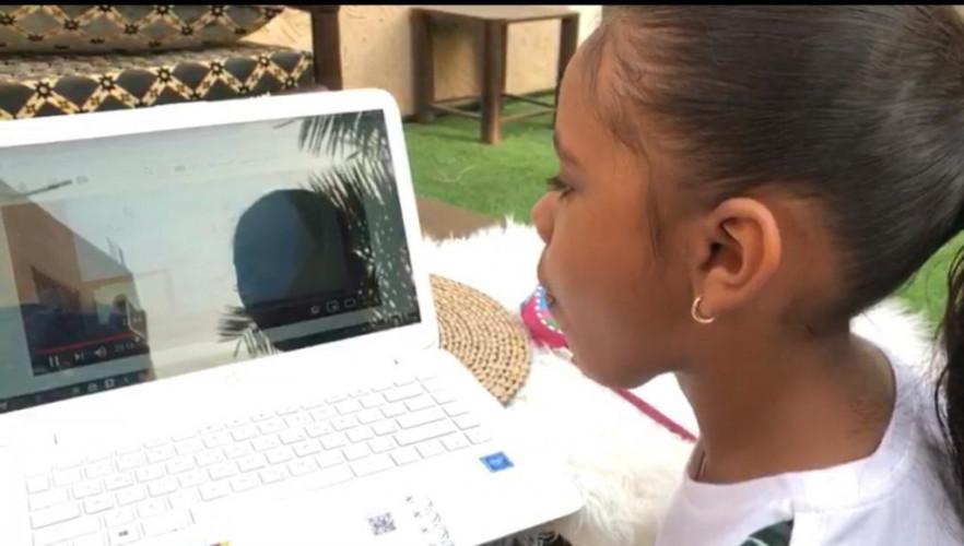 عبر المدارس الافتراضية طلاب وطالبات تعليم وادي الدواسر يواصلون مسيرتهم التعليمية