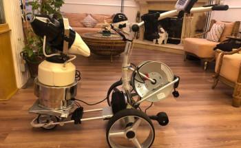البروفيسور صلاح حسنين يبتكر روبورت آلي لمكافحة كورونا والتعقيم السريع