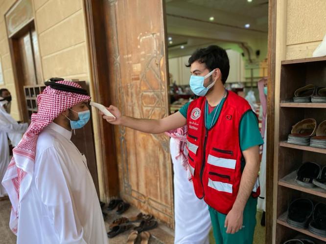 الهلال الأحمر بالجوف يشارك بمتطوعيه بصلاة عيد الأضحى في بعض جوامع المنطقة