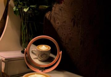 تصوير كوب من القهوة يشعل الحماس بين 300 مشارك لفريق همسات الثقافي