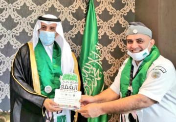 """""""محافظ المجمعة"""" يستقبل رواد الكشافة بمناسبة اليوم الوطني ٩٠ للمملكة العربية السعودية"""
