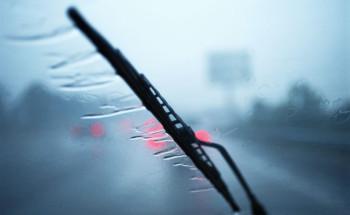 أهم الطرق للحفاظ على مساحات زجاج السيارة