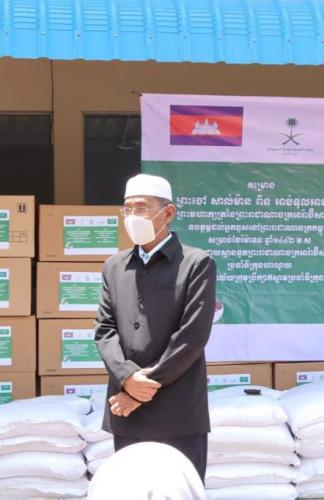 مفتي كمبوديا يشكر خادم الحرمين على جهوده في دعم برامج الخير في رمضان