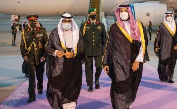 سمو ولي العهد يستقبل سمو ولي العهد بدولة الكويت لدى وصوله الرياض