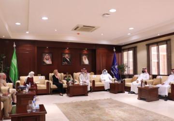 القائمة بأعمال السفارة الأمريكية لدى المملكة تزور جامعة حائل