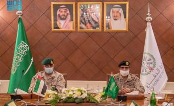 نائب رئيس هيئة الأركان العامة يلتقي قائد العمليات المشتركة الإماراتية