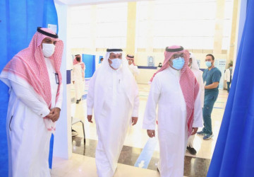 أربع جامعات في الرياض تتيح لقاح كورونا لمنسوبي تعليم الرياض والطلاب والطالبات