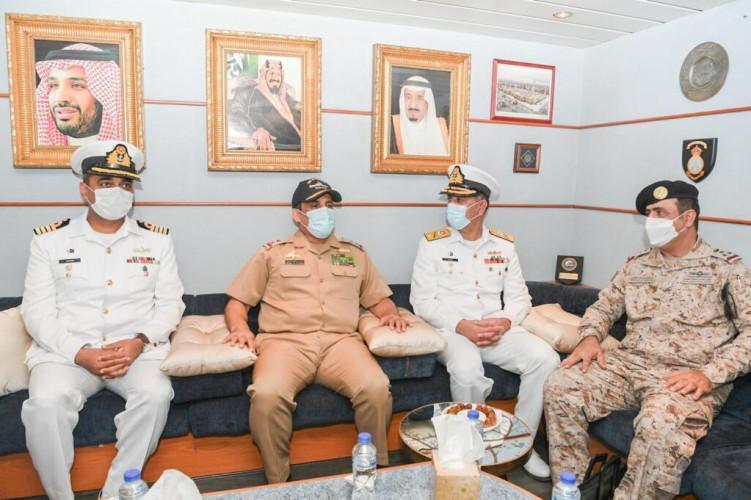 سفن القوات البحرية الملكية السعودية تصل إلى جمهورية باكستان الإسلامية لتنفيذ التمرين البحري الثنائي المختلط نسيم البحر 13